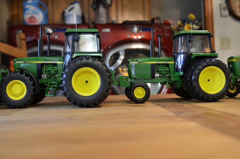 Deere 4000 series tractors 1/16th scale diecast metal by Ertl | Flickr ...