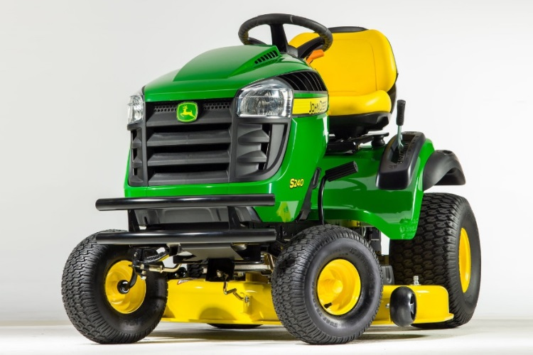 John Deere S240 Sport Series | Man of Many