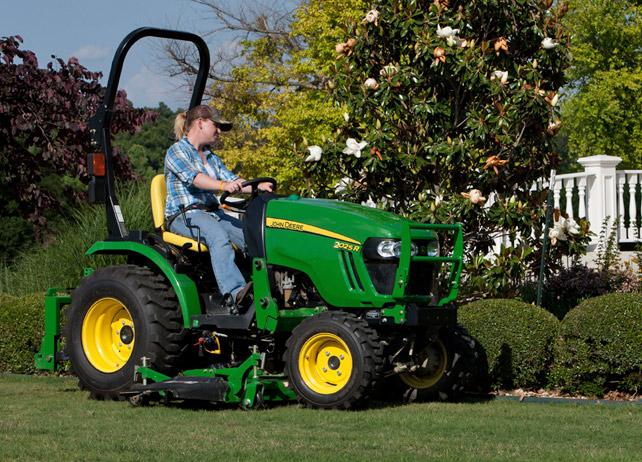 John Deere 2025R 2 Family Compact Utility Tractors