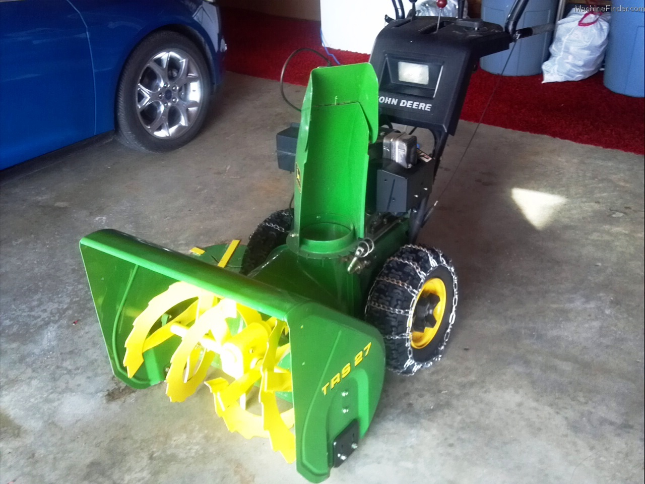 "John Deere 47"" Two-Stage Snowblower Review - Tractor"