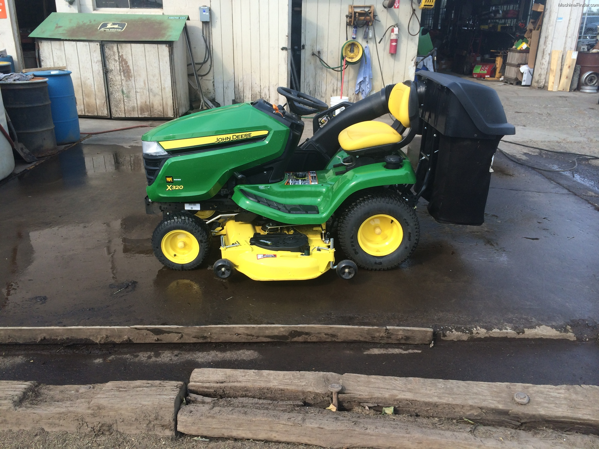 John Deere X320 Deck Parts X305r Belt Drive And Idlers Exploded Diagram Mower Tractors Lawn Mowers