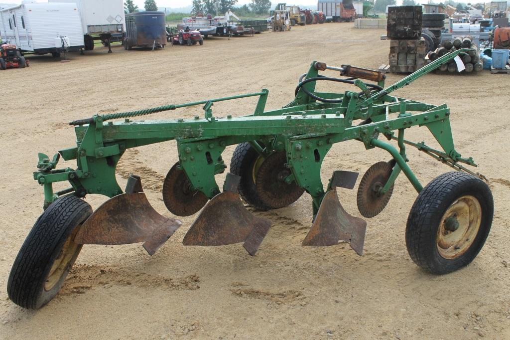 John Deere 3 Bottom Plow   John Deere Plows: John Deere