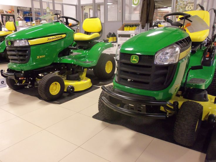 john deere x330 vs s240 lawn mower comparison