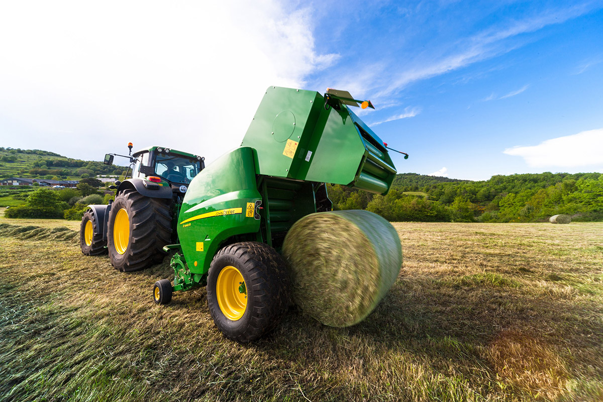John Deere launches new fixed chamber balers